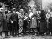 3-Bilderkiste-Registrierung-1945