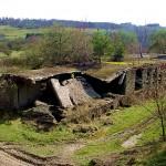 Überreste des nie fertiggestellten Nazi-Dorfes zwischen Wollseifen und Vogelsang. Zustand 2004. Foto: Heinen